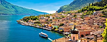 Villas and semi-detached houses for sale in Garda Lake (Italy)